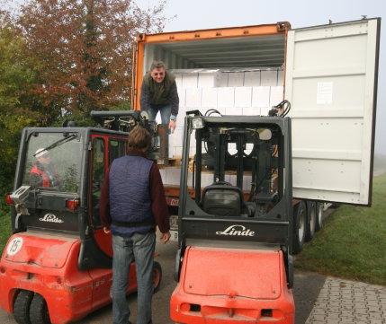 Container wird entladen